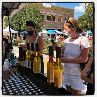 Lone Star Farmers Market: Sundays at Hill Country Galleria. High quality products!
